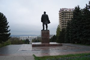 Lenin watches - over a realm that is since quite some time no more his